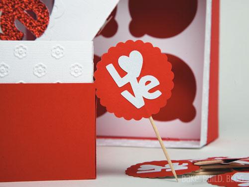 Love cupcake topper
